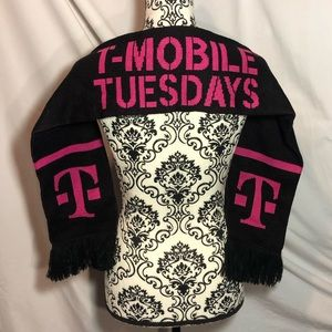 T Mobile Tuesday's Scarf.